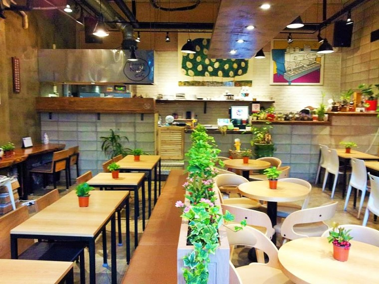 Interior Thanks Nature Cafe (2)